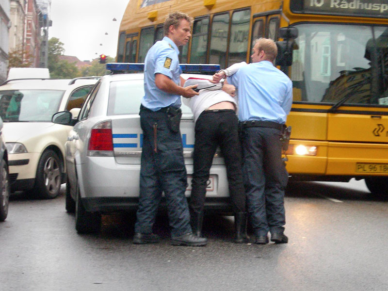 Danish_police_arrest